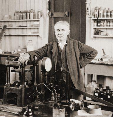Thomas Edison, history of Christmas lighting, Christmastime lighting